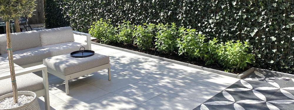 Een onderhoudsvrije tuin hoeft niet saai te zijn, vind hier tips